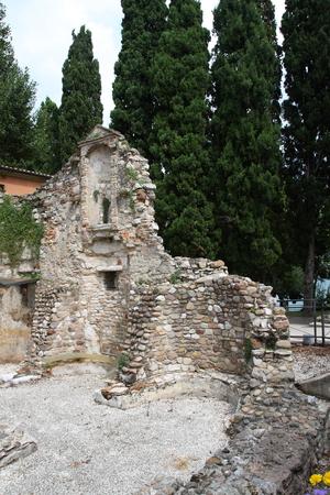 sirmione: Ruin church San Salvatori Sirmione