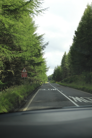 Single track road in the highlands of Scotland Stok Fotoğraf