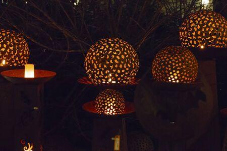 Illuminated balls, light plays on the Christmas fair in Baden-Baden Stockfoto