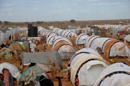 somalian: A general view of the tent camp where thousands of Somali immigrants