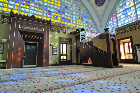 fidelidad: ESTAMBUL, Turquía - 04 de julio Istoc imagen de la nueva mezquita del 04 de julio de 2012 en Estambul, Turquía Istoc nueva mezquita en los últimos 30 años, una de las mezquitas de estilo moderno