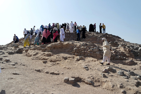 ksa: MEDINA, SAUDI ARABIA - JAN 31: Muslims who came to visit the martyrs of Uhud on January 31, 2015 in Medina, KSA. General view of the battle of Uhud top archers