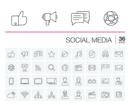 thin line icons set and graphic design elements. Illustration with social media and digital technology outline symbols. Like, speech bubble, avatar, computer, web, mobile linear pictogram Vettoriali
