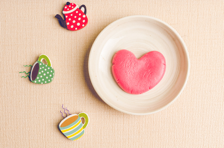 lonely heart: Single heart shape on the dish, lonely concept