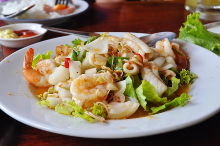 meat lover: Seafood spicy salad