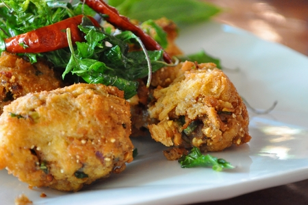 moo: Thai style fried spicy minched pork - Lab moo tod