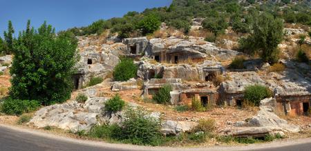tumbas: Tumbas Lycians en Turqu�a. Kemer