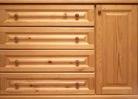 arredamento classico: wooden chest of drawers