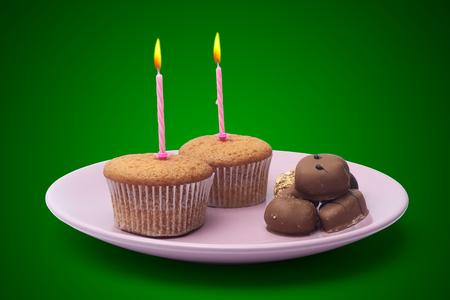 arredamento classico: cupcake con caramelle in un piatto