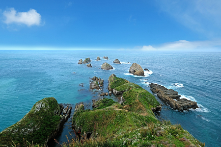 Nugget Point Lighthouse in New Zealand Imagens - 115682044