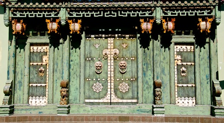 chinese traditional house: Green Chinese Old Door