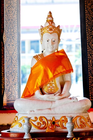 idolatry: Golden Buddha in Thailand
