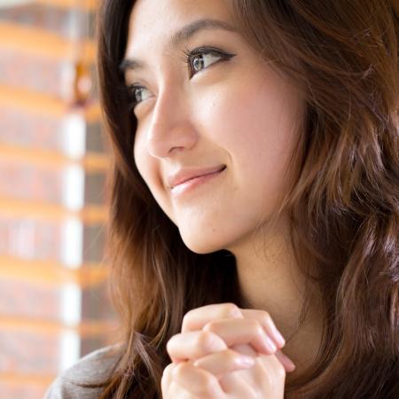 Portrait schöne asiatische Mädchen im Studio