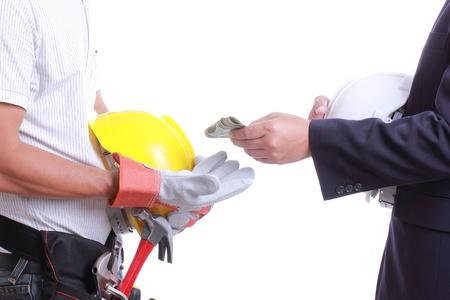 dare soldi: Imprenditore dare soldi per corruzione qualcosa, ma un altro popolo non accettata per farlo