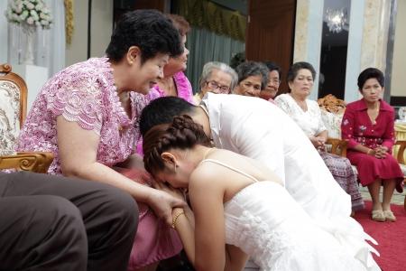 SONGKLA THAILAND -SEPTEMBER 27: Wedding ceremony SEPTEMBER 27 2013, Songkla Thailand Stock Photo - 23929777