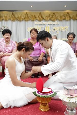 SONGKLA THAILAND -SEPTEMBER 27: Wedding ceremony SEPTEMBER 27 2013, Songkla Thailand Editorial