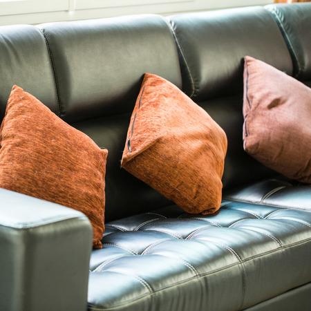 guest room: Divani e cuscini interni all'interno camera per gli ospiti Archivio Fotografico