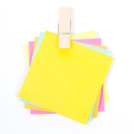 marking up: Close up de inserci�n push pin muliple para marcar algo