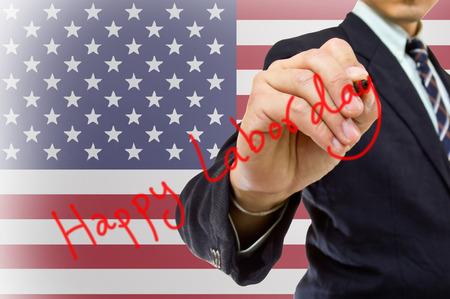 jornada de trabajo: Mano de empresario escribir de d�a de trabajo feliz con EE.UU. Bandera