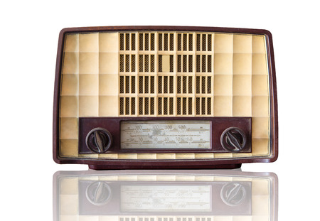 transitor: Radio del transistor de la vendimia con bakcground blanco Foto de archivo