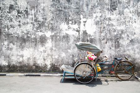Trishaw vintage style in George Town ,Penang ,Malaysia. Standard-Bild