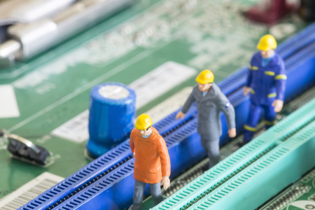 tech support: Repair and maintenance your system with small model Engineer.