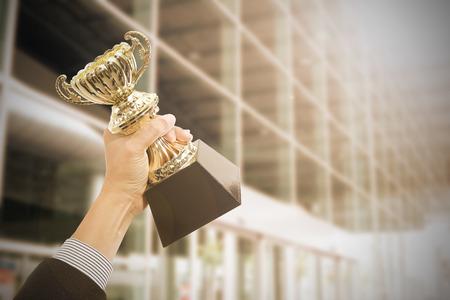 terra arrendada: Prêmios que prendem o troféu após sucesso com o seu negócio.