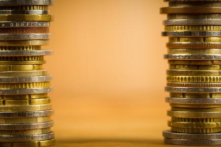 ganancias: Ahorrar dinero para preparar en el futuro. Foto de archivo