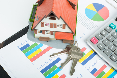Mortgage loading and calculator property document concept. Standard-Bild