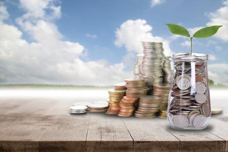 Économiser de l'argent pour préparer à l'avenir. Banque d'images