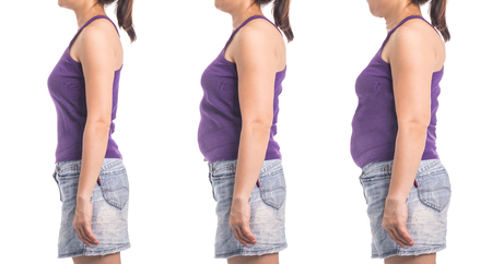 voor en na gewichtsverlies vrouw voor voeding en gezonde slanke vorm met een witte achtergrond. Stockfoto