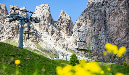 Cable car service in Bolzano Italy view Standard-Bild