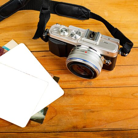 Camera mirrorless photography on the table.