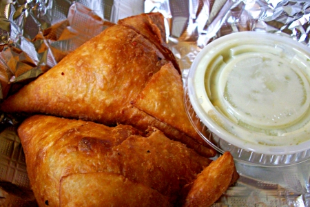 samosa: two delicious samosa with dip