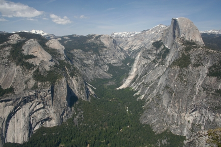 Elevated view of Yosemite valley and Half Dome