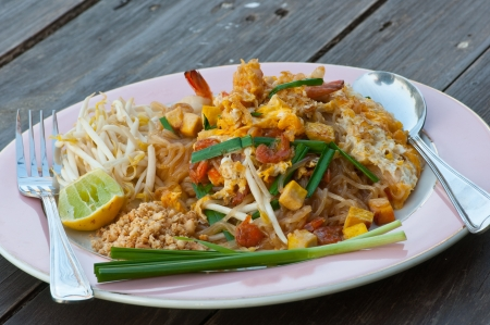 bean sprouts: Thai noodle fried