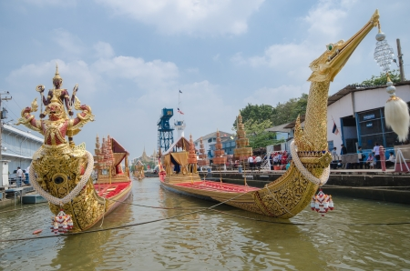 majesty: BANGKOK, THAILAND-NOV. 2 :The rehearsals Royal barge procession on the Chao Phraya river for a traditional royal Kratin ceremony marking the end of buddhist lent on November 2, 2012 in Bangkok  Editorial