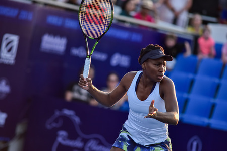 world player: Hua Hin Thailand - Jan 1 : World No.7 Tennis player Venus Williams from The USA in World Tennis Thailand Championship 2016 Williams had lost to Angelique Kerber(German) 4-6,3-6 on January 1,2016 at True Arena Hua Hin,Thailand