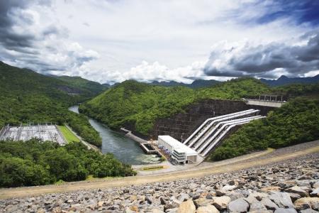 Srinakarin dam, Kanchanaburi Stock Photo - 17346954