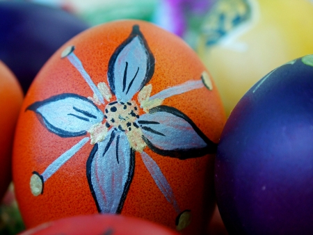 A bunch of beautiful painted easter eggs Stock Photo - 15881012