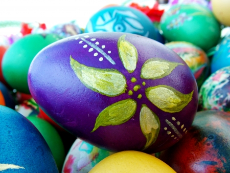 A bunch of beautiful painted easter eggs Stock Photo - 15880198