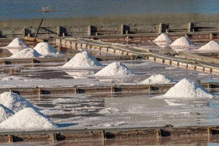 Organic sea salt. Evaporation and crystallization of sea water