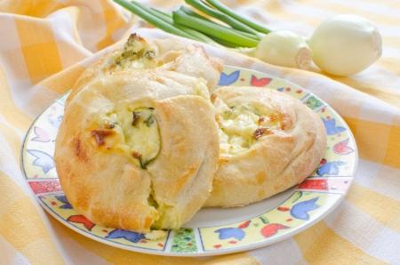 Knishes con queso fresco y cebolleta - pasteler�a jud�a Foto de archivo - 14822995
