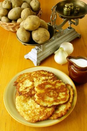 jewish cuisine: Potato pancakes  latkes                        Stock Photo