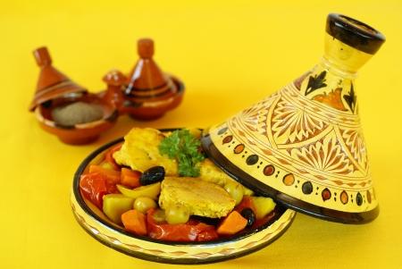 moroccan cuisine: Moroccan chicken tagine
