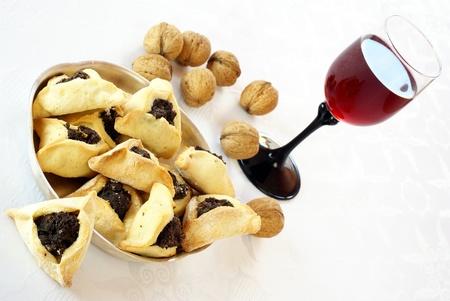 Zelfgemaakte koekjes met maanzaad vulling voor Purim (Hamantaschen) Stockfoto - 14874424