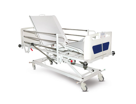 Cama de hospital móvil, aislado sobre fondo blanco.