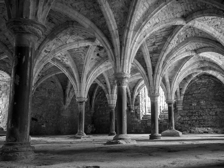 conquest: Arches at the abbey as built on the site right after the Battle of Hasting in 1066 during the Norman Conquest Stock Photo