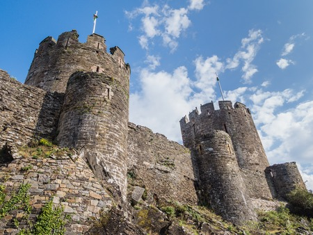 View on the battlements of massive Conwy Castle in Wales built by king Edward I as one of the fortifications during the conquest of Wales in the 13th Century Banque d'images