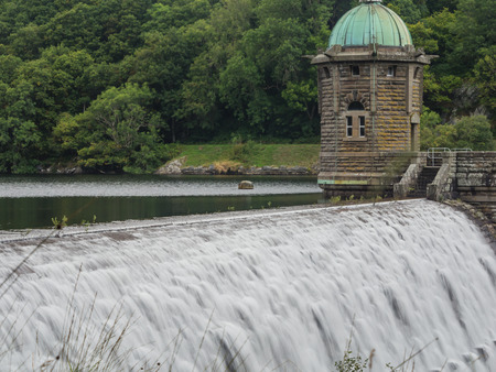 elan: Dam at Pen-y-garreg in one the reservoirs in the Elan Valley in Wales, UK Stock Photo